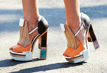 Неординарные женские туфли