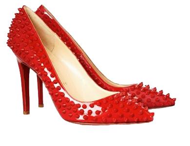 Модные туфли с шипами